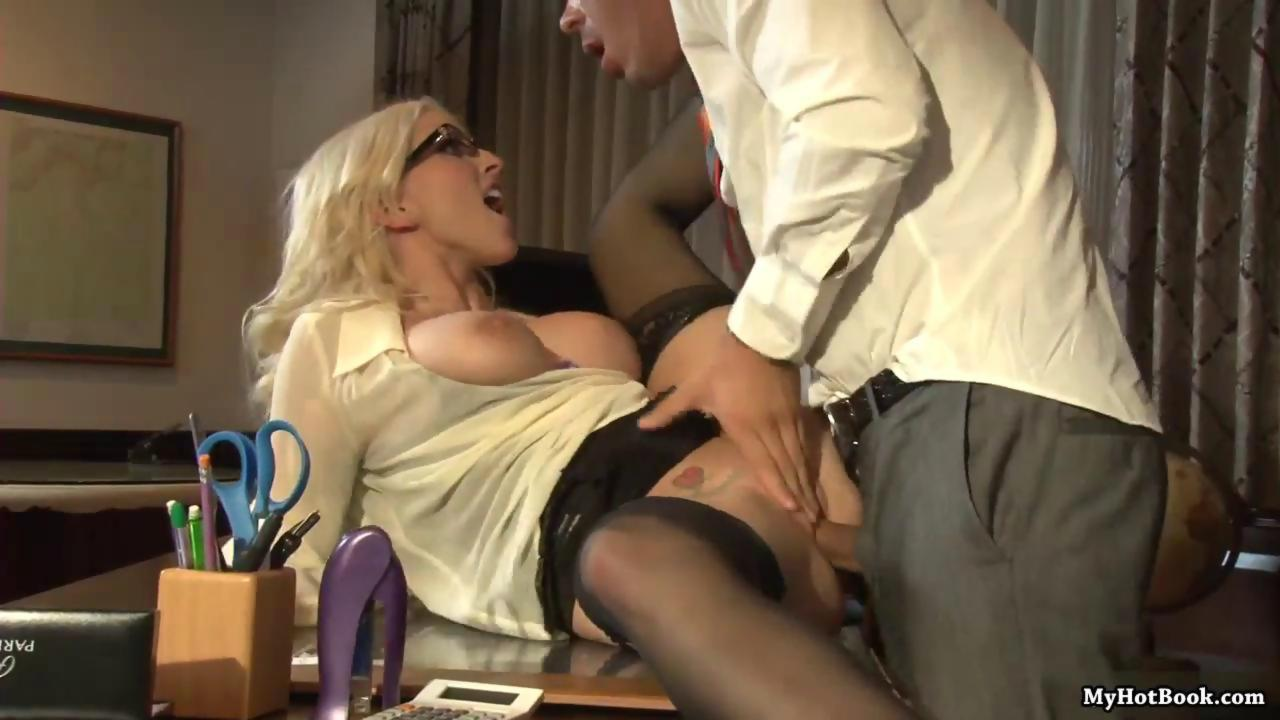Christie Stevens is an extremely sexy blonde whos - Hardsextube