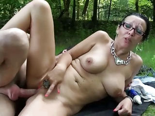 French mature slut fucked outdoor