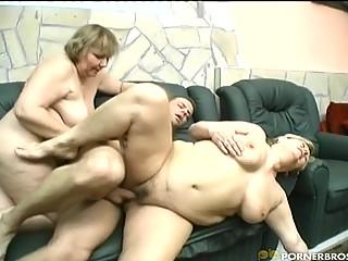 Starsze grubaski porno