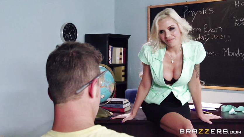 Blonde teacher Nina Elle puts this student off his stride | PornTube ®