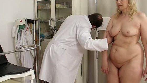 Yvonne Examination Video/Yvonne - Mature porn