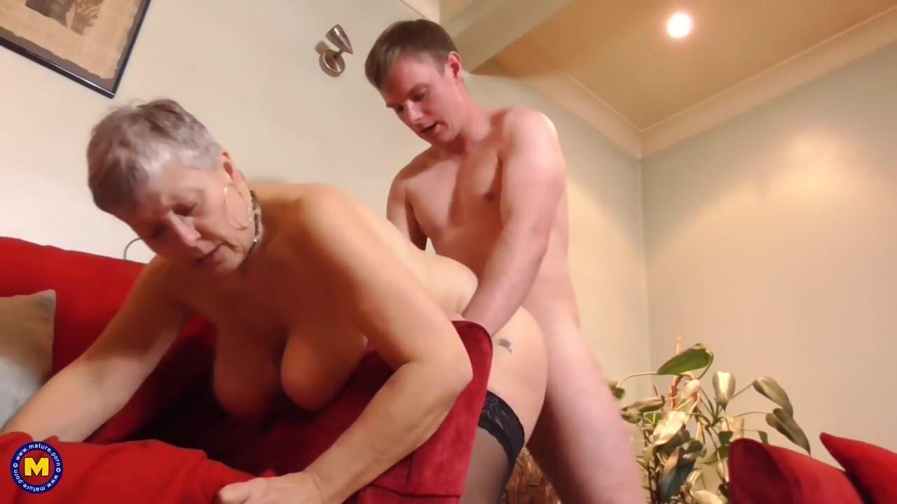 stara babcia kurwa wielki kutas czarne lesbijki twarz siedzieć