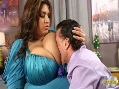 voluptuous latina banging - TitsN*Curves