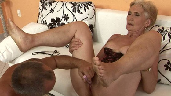 FULL BUSH. Part 2 - Grannies porn