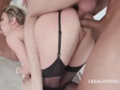 Dee Williams – Fucking Wet With Dee Williams 4 On 1