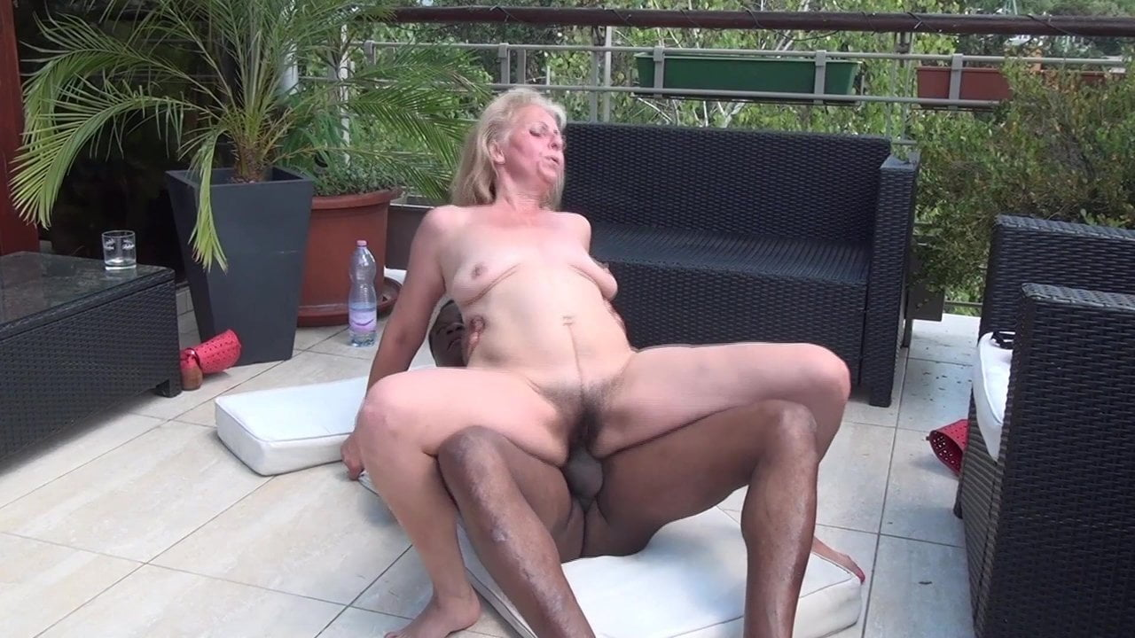 Ogromne potworne porno