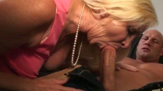 Horny Grannies Love To Fuck - Housewives porn