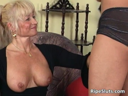 Ultra blonde mature chick loves younger