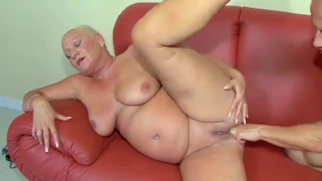 Babcie uprawiają seks analny