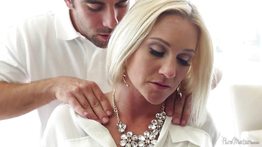 Alexis Malone getting her MILF muff stuffed | PornTube ®