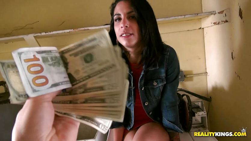 Tricsy Star fucking for the extra cash | PornTube ®