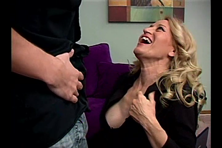 Mature Blonde Gives A Deepthroat Blowjob And Jumps On A Wang