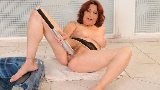 Cumming mature: Ildi - Mature porn