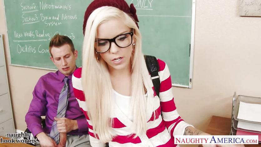 Geeky schoolgirl Halle Von fuck in classroom | PornTube ®