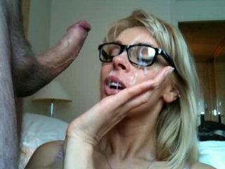 MILF gets a facial - Cumshots porn