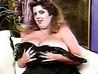 The udders of Suzie Sparks - Retro porn
