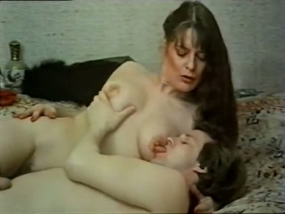 Long haired vintage babe fondles her husband and rides his cock with tight anal hole - Retro porn