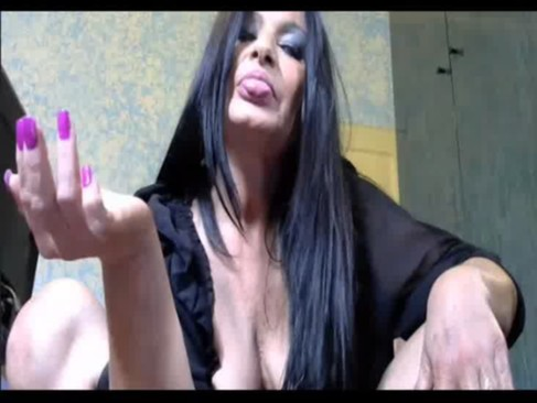 ITALIAN MATURE PISS AND TASTE FOR CAM - negrosurfista