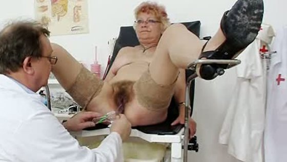 Short haired plump granny Bety freaky gyno checkup - Close-Up porn