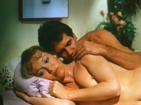 charli housewife - Retro porn