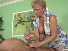 Granny Tracy cocksucking and handjob - Mature sex video