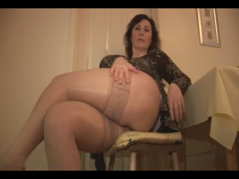 porno-video-tolstushek-v-yubkah