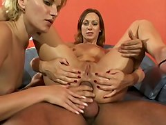 Vivienne LaRoche and Tina Wagner - AssMan#22 - Hardcore sex video