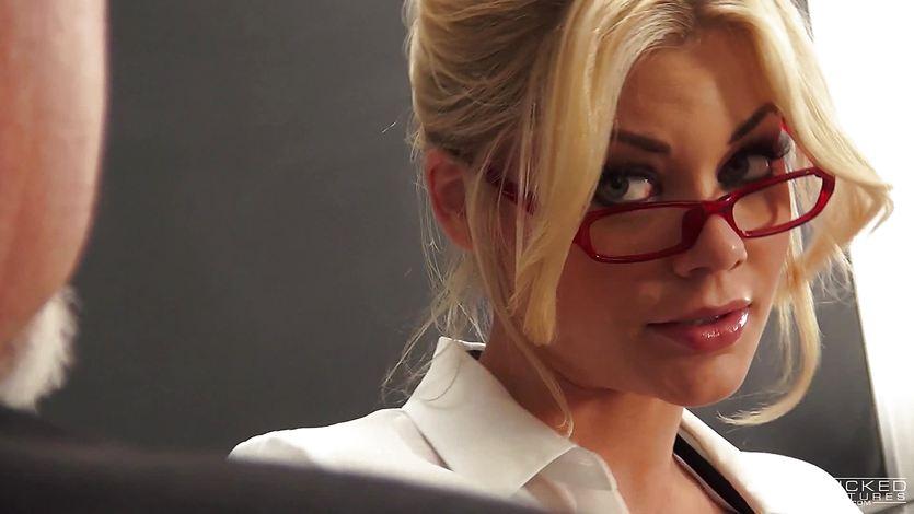 Tantalising teacher Riley Steele classroom fucking | PornTube ®