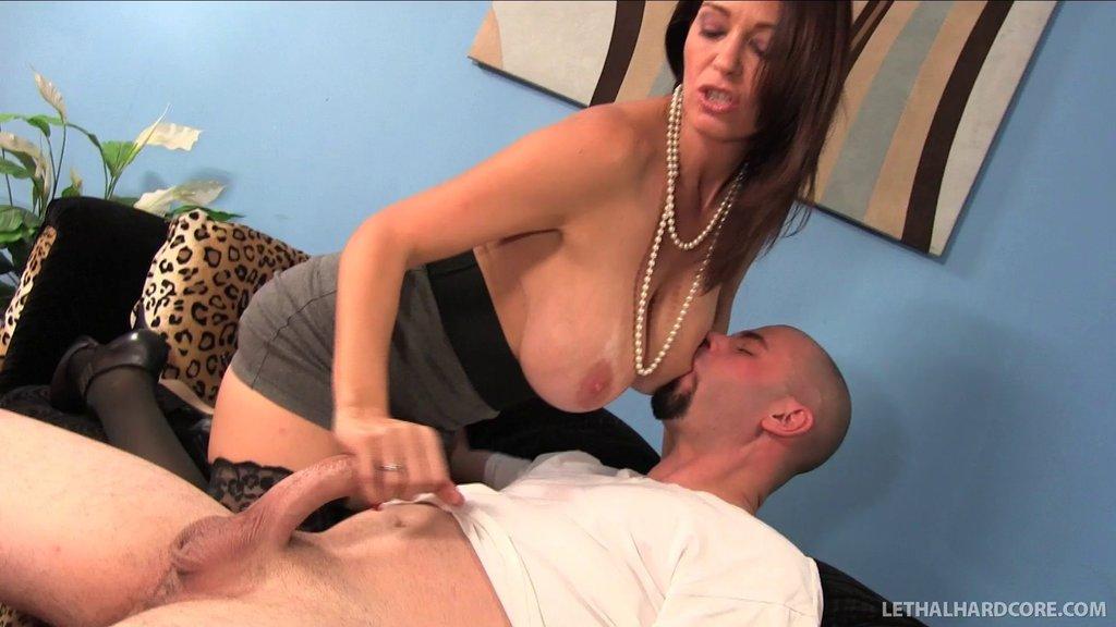 Hottie And Her Boyfriend Fuck A Slutty Milf In Her House