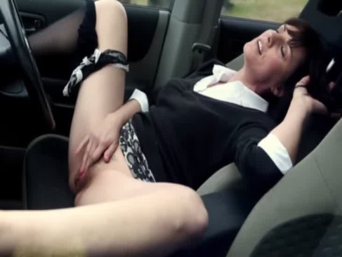 Horny wife mastrubated in the car