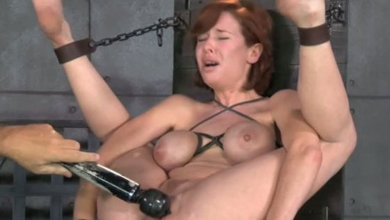 Juggt red haired milf Veronica Avluv gets her cunt vibrated and fucked hard - BDSM porn