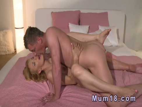 Hot blonde mature lady fucking in bed