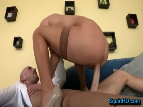 Banging Wet MILF Pussy Veronica Avluv - SquirtHD.com