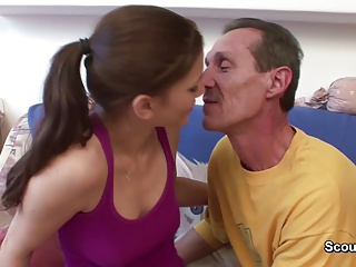 Grandpa with Big Cock Seduce Grand-daughter to Fuck