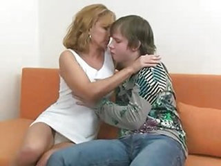Pretty Hot Mom With Young Boy - MILF porn