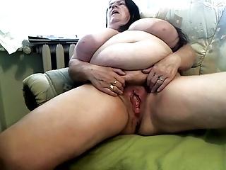 Granny BBW HOT.......
