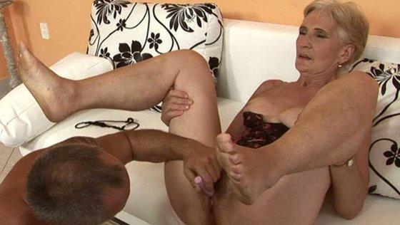 FULL BUSH. Part 2 - Grannies porn