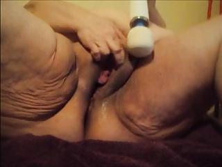Eros & Music - BBW Sexy Linda Masturbating