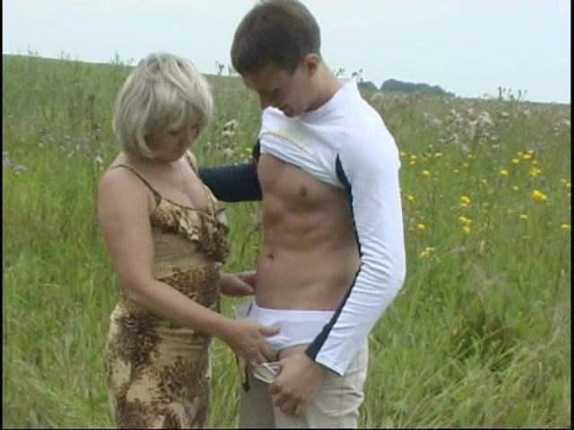 Nice Tits Milf Creams All Over His Big Cock While Being Spooked Outdoors