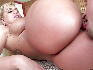 Stepmom seduces stepson with dad there