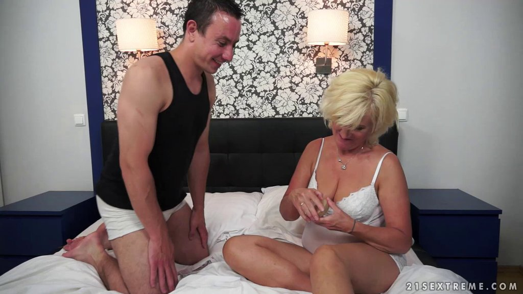 Needy Blonde Grandma Gets The Hardcore Fucking She Craves