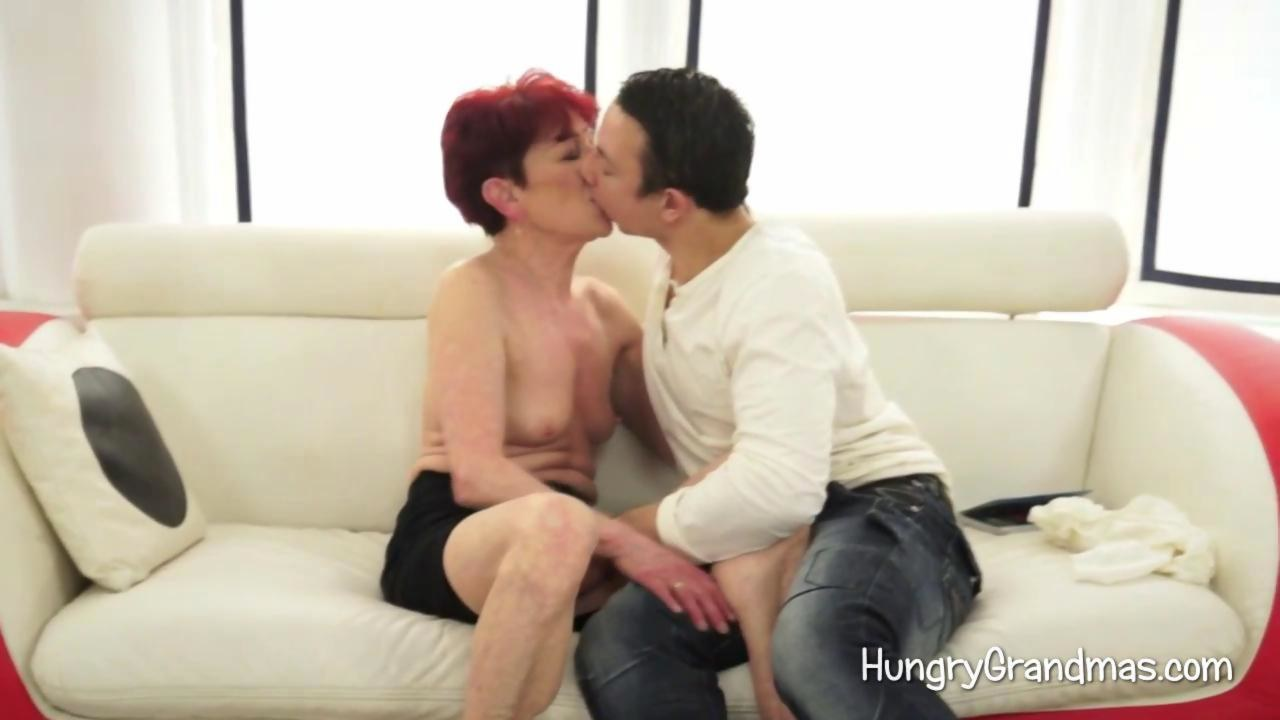 Lustful Granny Seduces A Youngster - Hardsextube