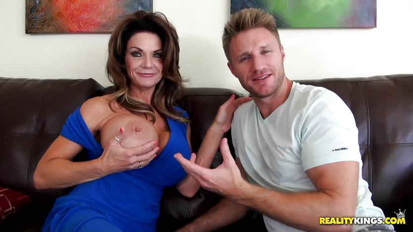 Deeply pussy pounding Deauxma in her hot pussy pie | PornTube ®