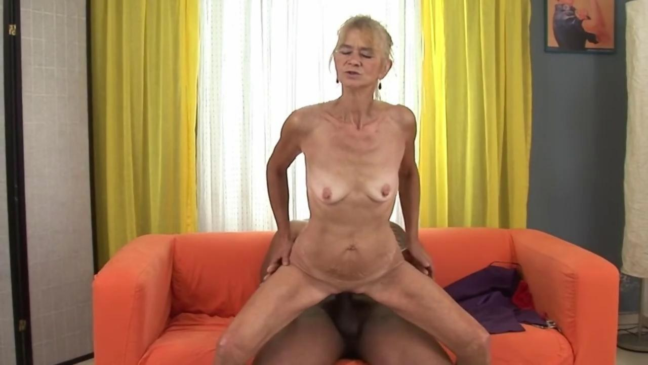 granny love coitus everywhere mature - Hardsextube