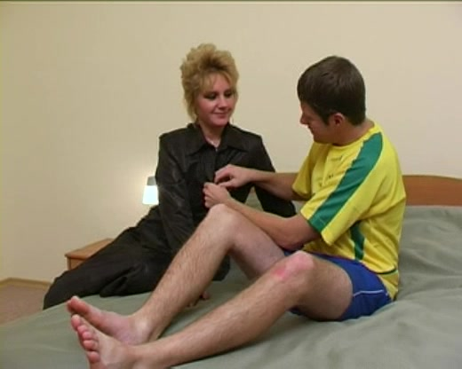 Married Russian Housewife Is Thrilled To Have Her Aching Cunt Fucked