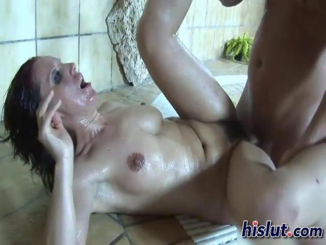 Helen is a horny grannie - Hardsextube
