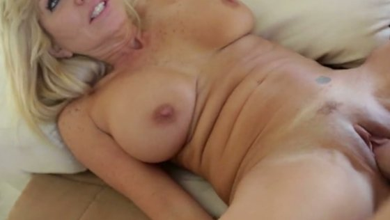 Busty white blonde cougar wants no mercy on her booty - Mature porn