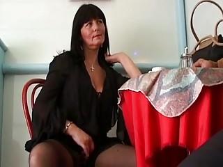 Horny Mature Brunette Seduces Cu...