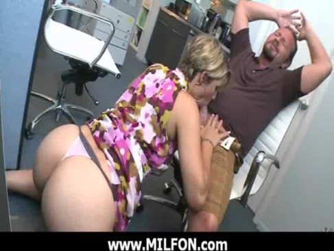 Hunting gorgeous milfs for hard sex 26