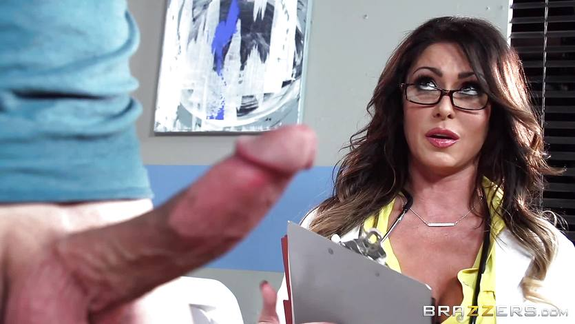 Juicy doc Jessica Jaymes relieves her throbbing patient | PornTube ®